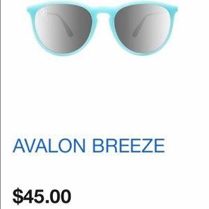0490b8dcc67 Blenders Eyewear Other - Blenders Eyewear Avalon Breeze Sunglasses
